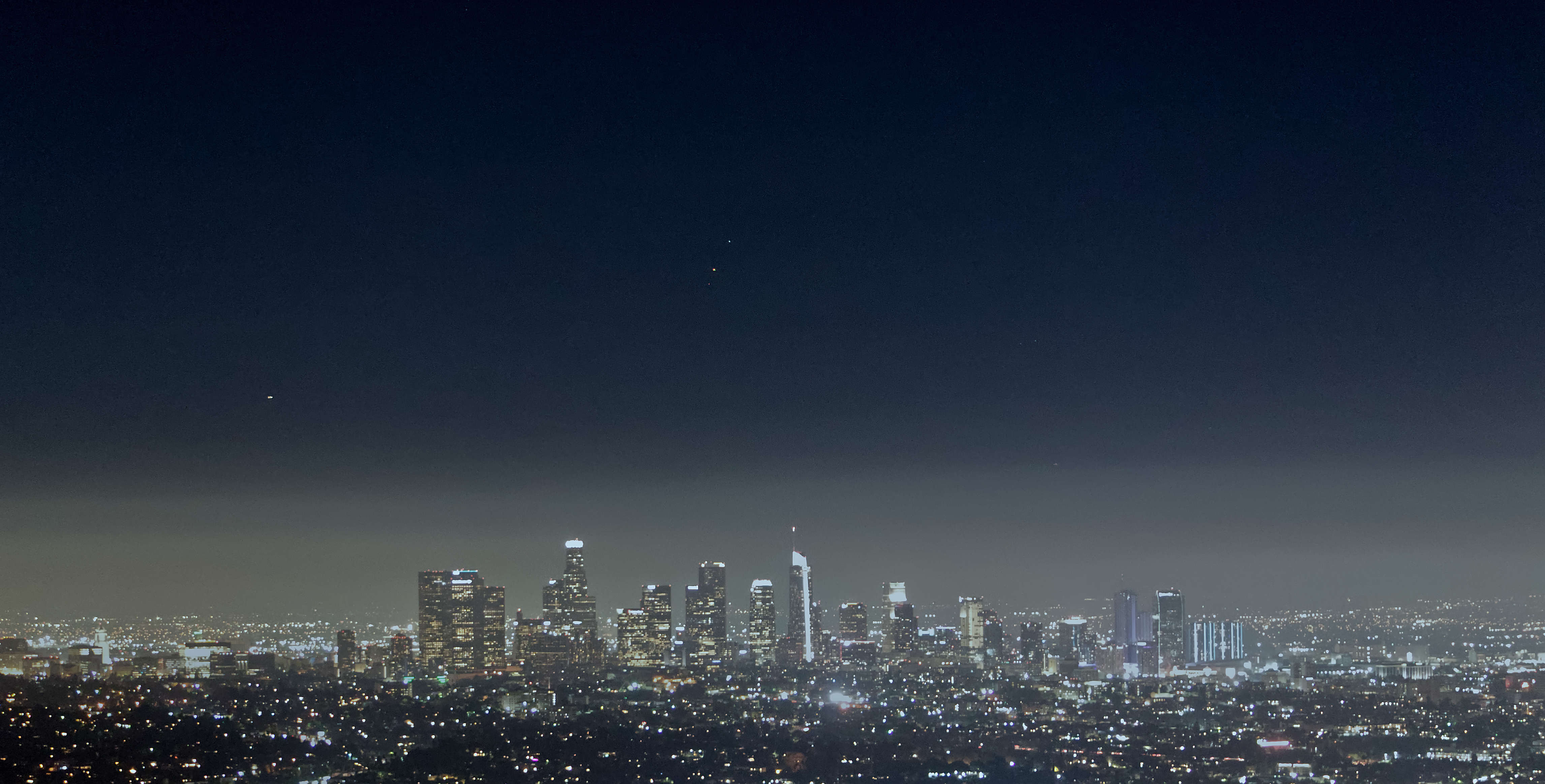 View of downtown Los Angeles, as seen from the Griffith Observatory
